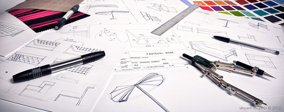 Croquis et matériel de dessin du designer